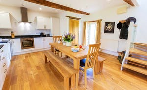 Whinchat Barns - Wagtail Corner has a well equipped kitchen/dining area