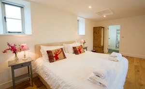 Pound Farm - Bedroom 7: A calm space with an outlook of open farmland