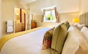 The Cottage Beyond: Bedroom 4, full of sunshine.