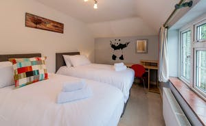 Garden Court - Bedroom 5: Zip and link beds and views over the 2 acre grounds