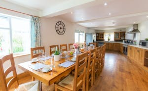 Culmbridge House - A light and airy kitchen-diner; sit down and dine together in this very sociable space