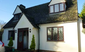 Whiteshoots Holiday Cottage