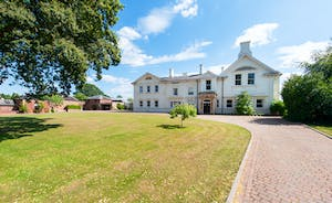 Severn Manor - Sleeps up to 29, set in 4 acre private grounds