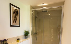 The Granary - An all modern en suite shower room for Bedroom 2