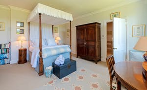 Asham House - Bedroom 1 - Spacious and homely with an en suite bathroom