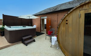 Wayside: Outside the changing rooms there's a hot tub and a barrel sauna