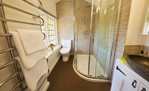 The Benches - The en suite shower room for Bedroom 4