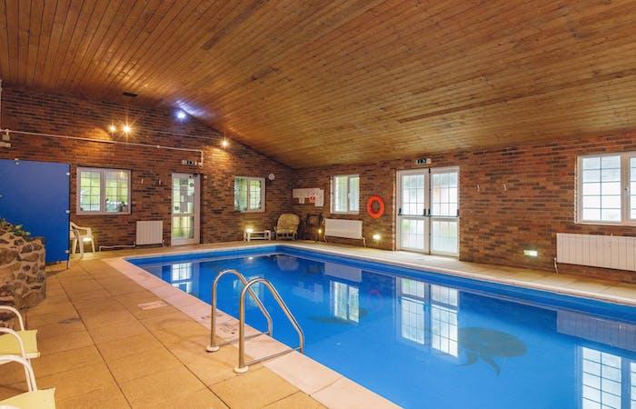 Swimming pool 2.original.jpg?ixlib=rails 2.1