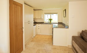Holemoor Stables - A small kitchen in the annexe