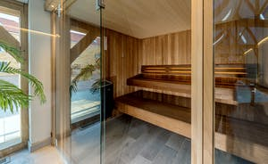 Croftview - The spa hall also has a sauna