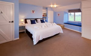 Ilbeare - Bedroom 3 is a spacious room that can be a superking or a twin room