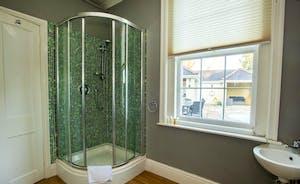 Sandfield House - Bedroom 6 has an en suite shower room