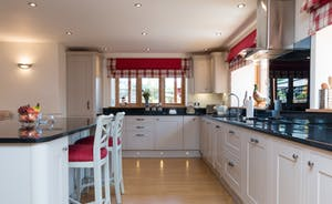 Large Kitchen Ideal for Family Celebrations