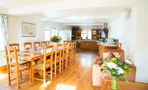 Culmbridge House - A bright and airy kitchen/diner that's homely and well equipped