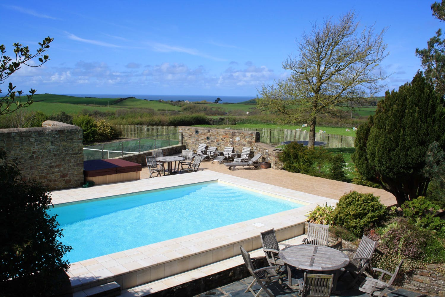 Self catering accommodation with private hot tub in ...