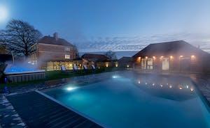 Hesdin Hall - Big holiday house with a private pool near Bath