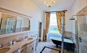 severn manor Bathroom 2