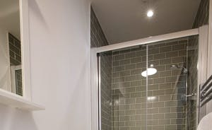 The Plough - A trendy en suite shower room for Bedroom 2