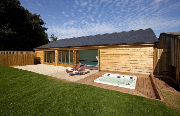 Sleeps 14 indoor pool hot tub.wide content