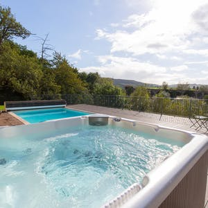 Monmouth accommodation with hot tub.thumb