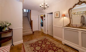 Garden Court - Step in to a spacious hallway