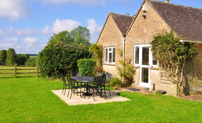 Short Breaks at Cotswold Park Lodge
