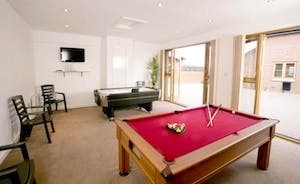 Games Room with Pool Table, Air Hockey & Wii