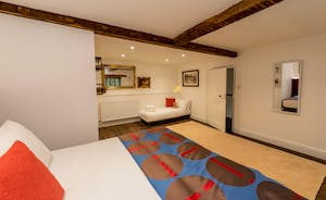 Hesdin Hall - Room for an extra bed in Bedroom 5