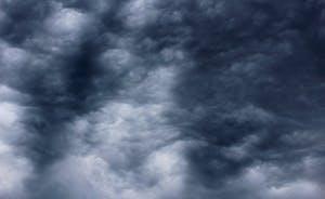moody summer sky
