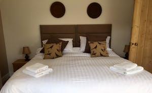 Bedroom 4 - Superking Zip & Link bed with garden views, on 1st floor