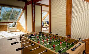 Dustings - Play pool or table football