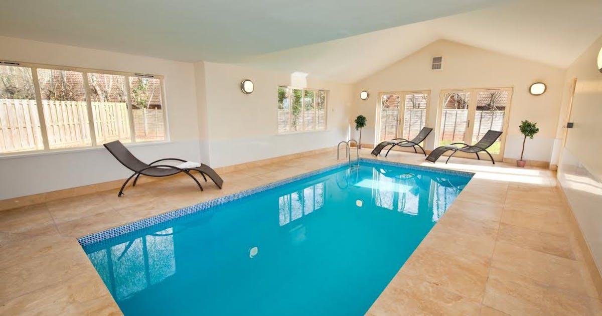 Luxury holiday lodge sleeping 14 with swimming pool - Holiday lodges with swimming pools ...