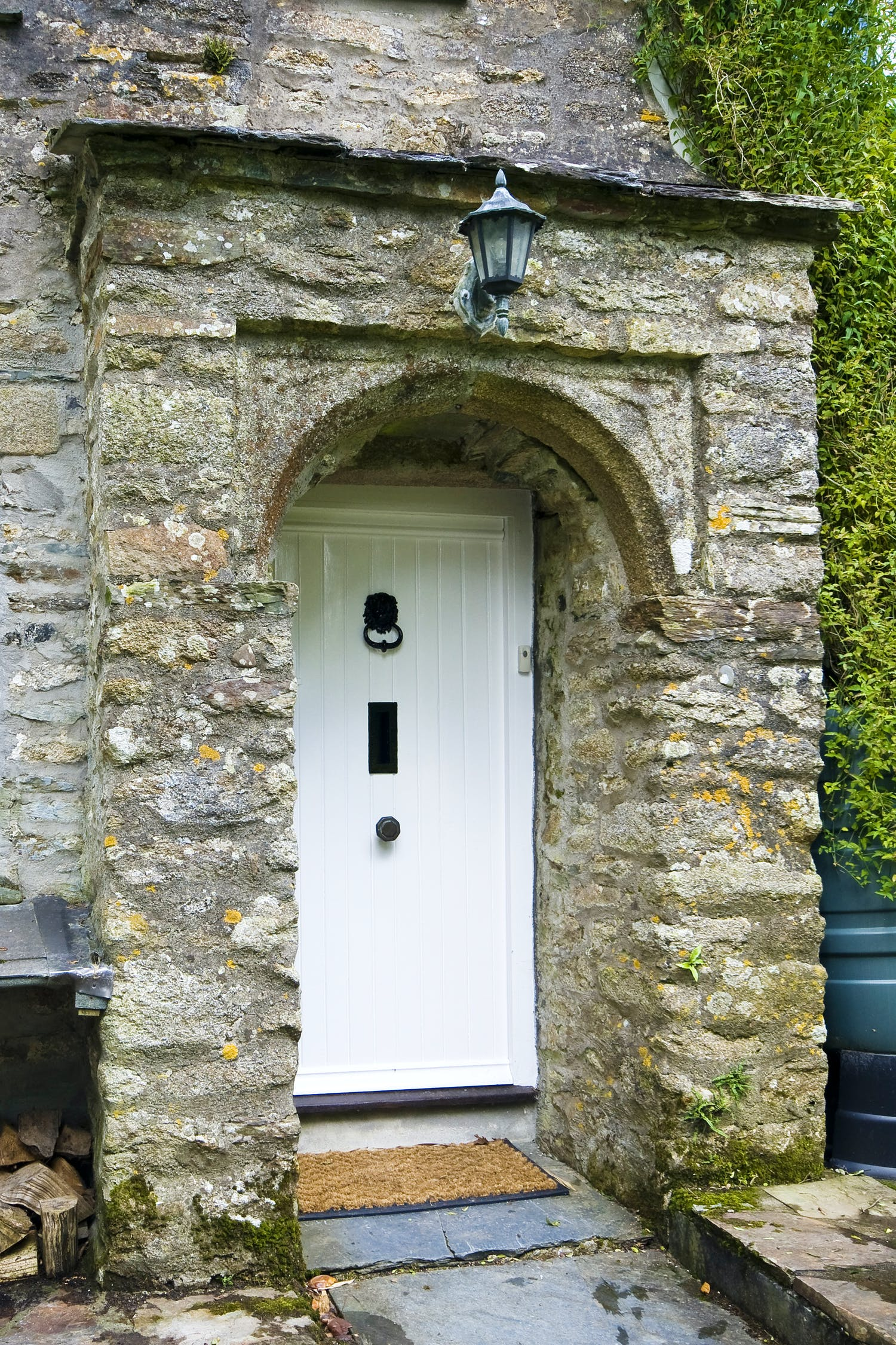 Gallery little cobbetts camelford august 12th cottages - The chapel cottage historic vestige in contemporary lines ...