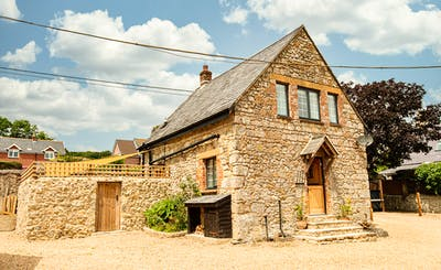 Short Breaks at Kingates Farm - Farm Cottage