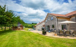 Fuzzy Orchard - This luxury lodge has all you need to keep you entertained and relaxed