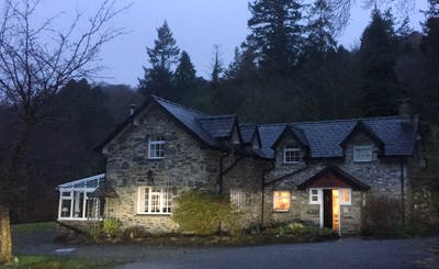 Short Breaks at Aber Cottage & The Retreat (11 people)