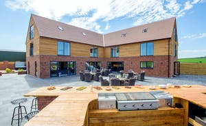 The Granary - Plenty of space for barbecues and alfresco dining