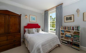 Asham House - Bedroom 3: Period charm and homeliness