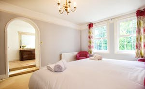 Sandfield House - Bedroom 1 has zip and link beds (superking or twin) and an en suite shower room