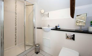 Whinchat Barns - Wagtail Corner: the en suite shower room for Bedroom 1