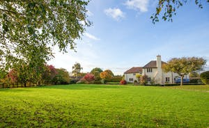 Ilbeare - Peace and quiet - and two acres of attractive gardens, with woodland and a babbling stream