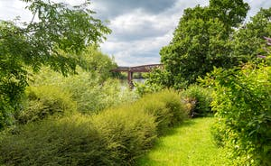 The Benches - The house and garden have unbeatable views of the River Wye