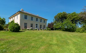 Asham House - Rent this beautiful Georgian house for family holidays for 12