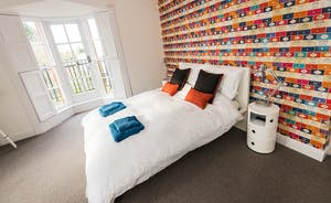 Pitmaston House - High ceilings and lots of natural light give Bedroom 4 a bright and spacious ambience