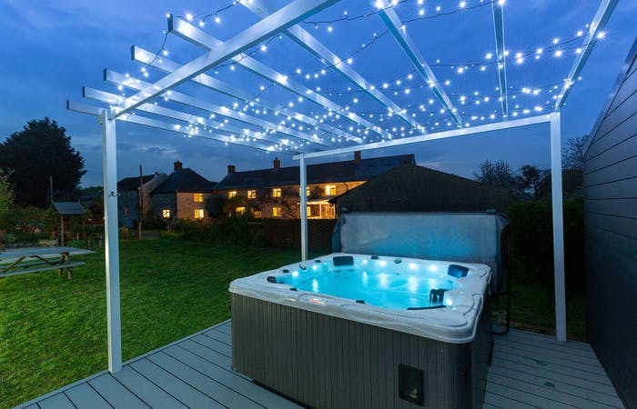 Somerset holiday home sleeping 14 with hot tub, swim spa, bbq lodge and games room