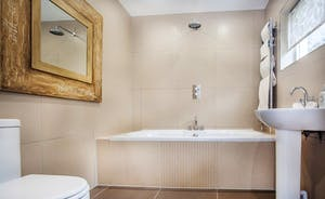 Bathroom ensuite to Bedroom 1