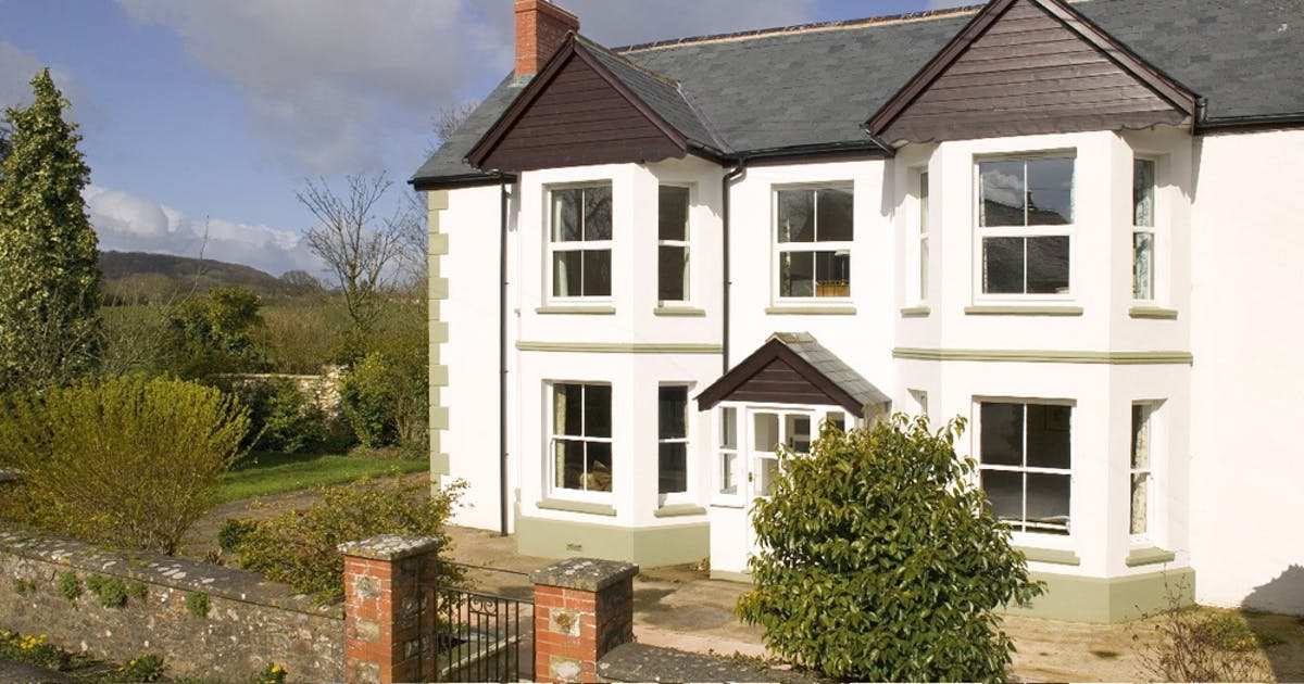 English Country Cottage In Devon With Swimming Pool Sleeps 12