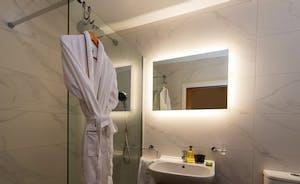 Churchill 30 - Bedroom 9 has an en suite shower room