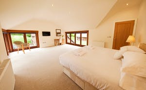 Coat Barn - Bedroom 4 is on the first floor and has a dressing room and an en suite bathroom with shower