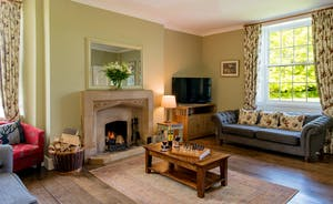 Pound Farm - The sitting room is light and airy, and so welcoming
